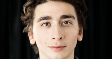 Acrobat-actor Raphael Cruz, Recently at Lookinngglass, Dies in Paris