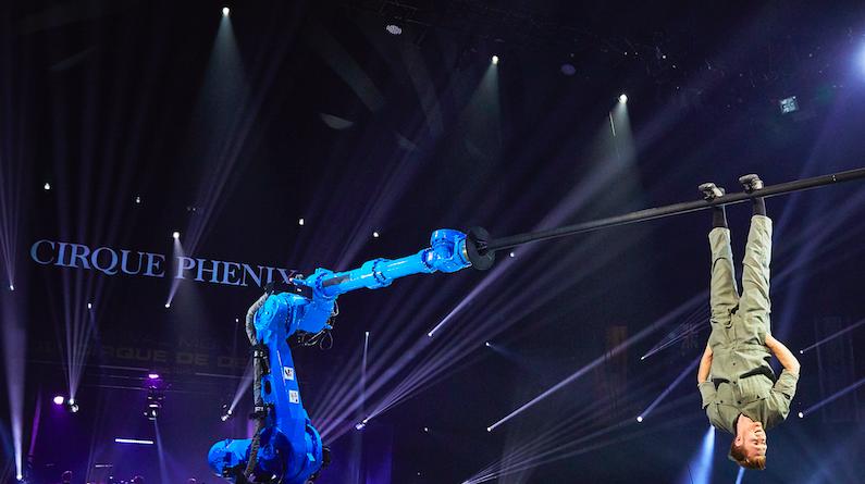 RoboPole–Circus of the Future