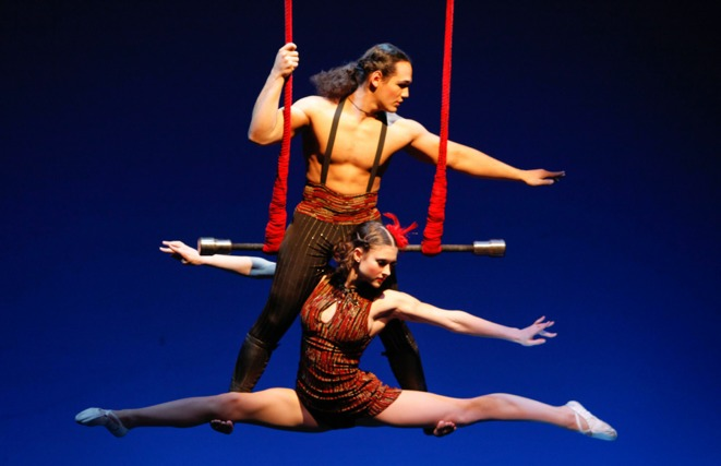 Teatro ZInZanni comes to Chicago, Chicago circus, Circus dinner theater