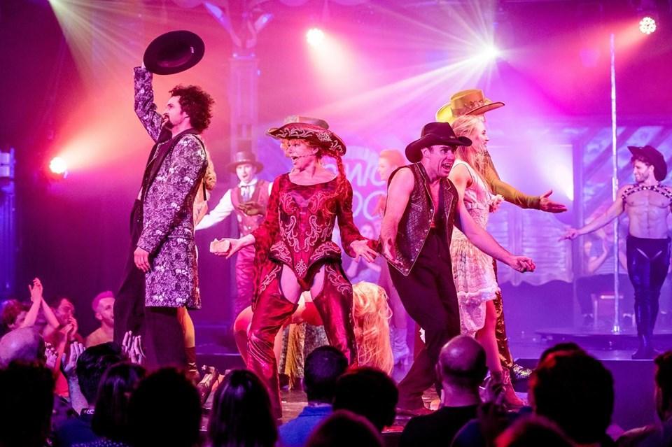Musical circus cowboys