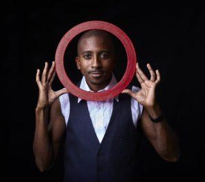 Ring juggler