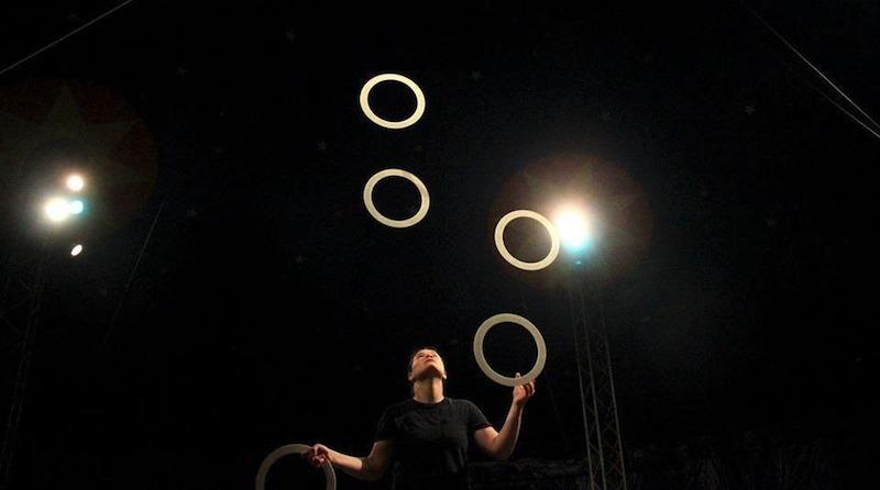 hoop juggling