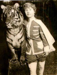 gender in circus