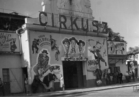Pictured is the Budapest Capital Circus in black and white, at its beginning
