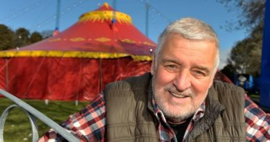 Tributes Pour in for Showman Gerry Cottle Who Died After Contracting Covid-19
