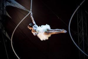 Kristen Emerson spinning on Spanish Web